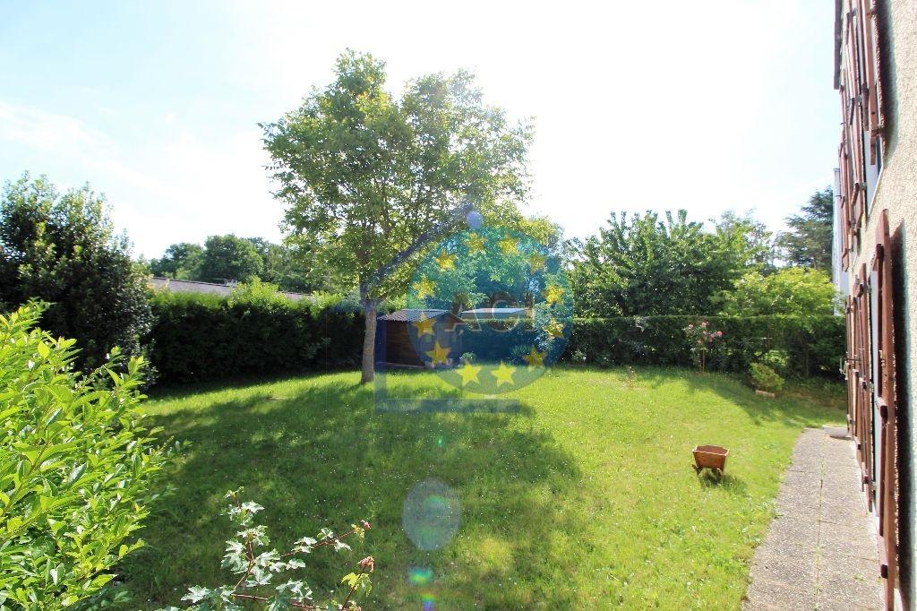 Magnanville vente maison 6 pi ces 105m2 235 000 for Jardin 78200